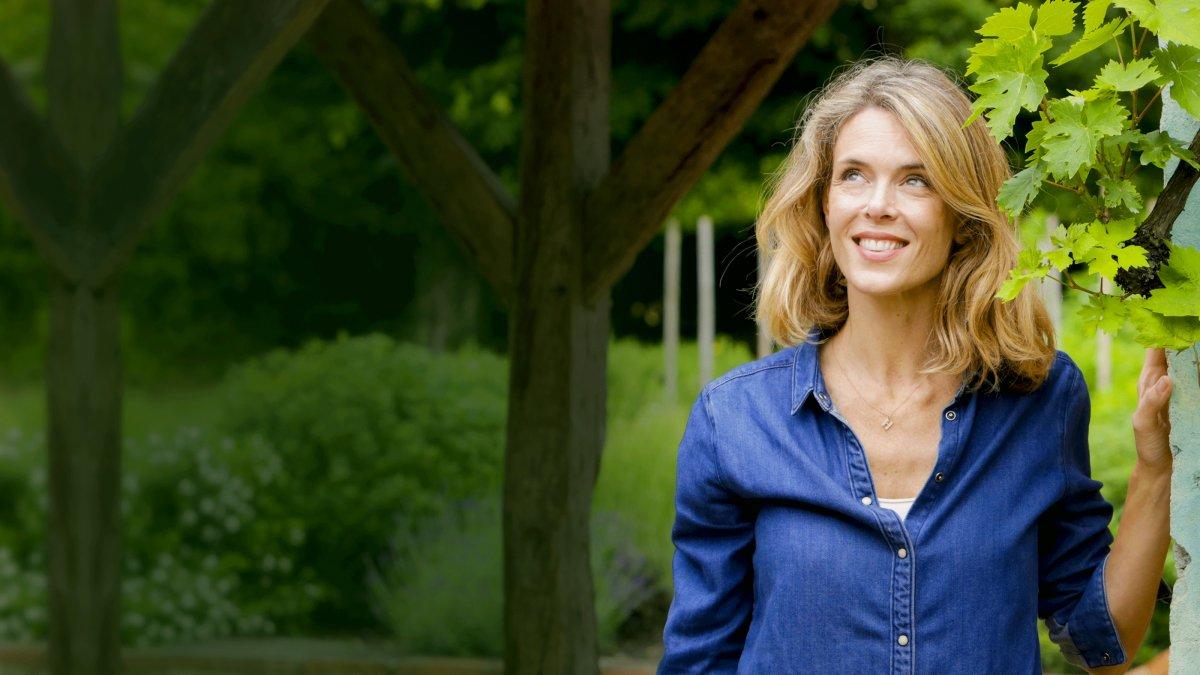 Les Carnets De Julie Replay Et Videos En Streaming France Tv