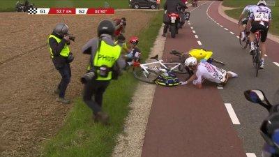 Amstel Gold Race messieurs : Bob Jungels et Maximilian Schachmann pris dans une chute à l'arrière du peloton
