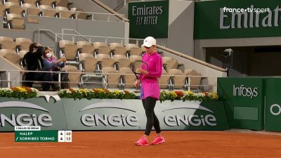 S. Halep (ROU) vs S. Sorribes Tormo (ESP) - 1er tour - Court Philippe-Chatrier