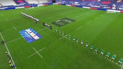 Place aux hymnes avant le début de France - Irlande