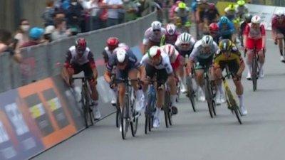 Tour d'Italie 2021 : Gaviria envoyé dans les barrières par son équipier