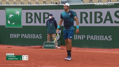 V. Pospisil (CAN) vs M. Berrettini (ITA) - 1er tour - Court Suzanne-Lenglen