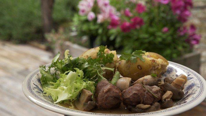 Recette saut de porc et pommes de terre farcies - France 3 fr midi en france recettes de cuisine ...