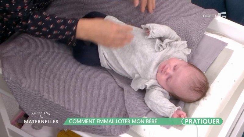Comment emmailloter mon b b france 5 23 11 2017 for La maison des bebes