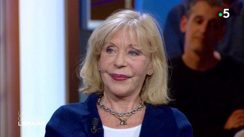 Blandine de caunes raconte journal d 39 irlande crit par sa m re beno te groult france 5 - France 5 ca vous ...