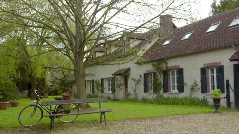 Replay Une maison, un artiste, Une maison, un artiste Régine