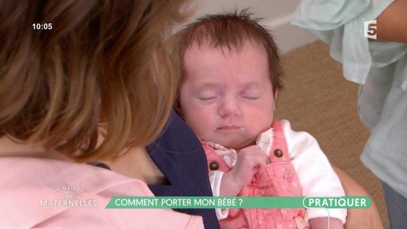 Comment porter mon b b france 5 06 09 2017 - Rever de porter un bebe dans ses bras ...